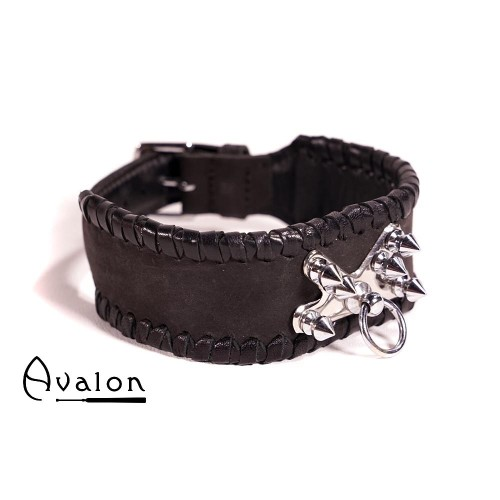 Avalon - SACRIFICE - Collar med spisse nagler og O-ring - Sort