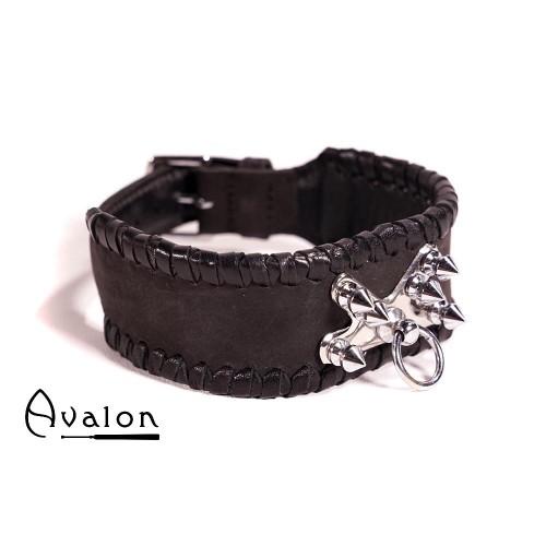 Avalon - SACRIFICE - Collar med spisse nagler og O-ring - Sort