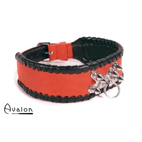 Avalon - SACRIFICE - Collar med spisse nagler og O-ring - Rød og sort
