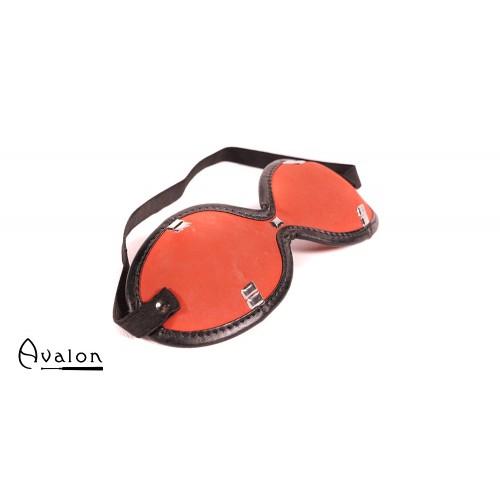 Avalon - ESCAPE - Blindfold med Nagler Rødt og Svart
