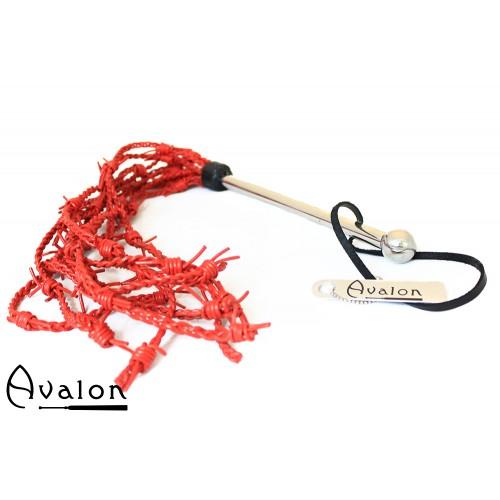 Avalon - DRUID - Piggtrådflogger i Rødt Lær