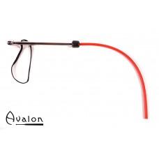 Avalon - WURM - Sort og rød 1-halet silikonflogger med metall håndtak