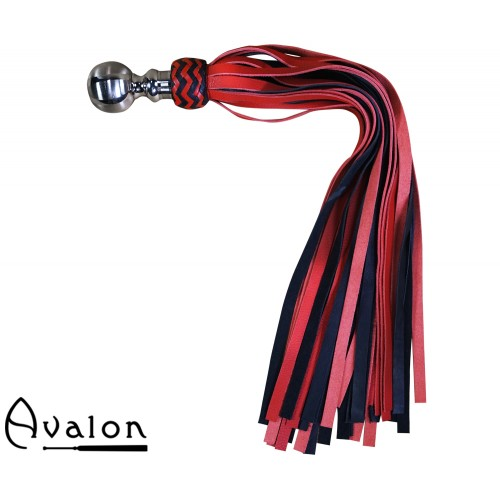 Avalon - KING - Stor Sort og Rød Flogger med Kulehåndtak i Metall