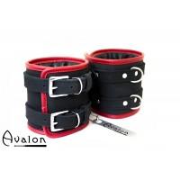 Avalon - CONTROL - Ekstra brede Fotcuffs Svart og Rød
