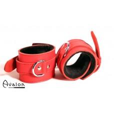 Avalon - INNOCENT - Røde Håndcuffs med Svart Plysj