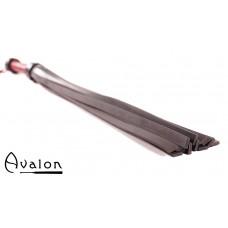 Avalon - LAMORAK - Massiv Flogger i Lær og Silikon - Sort og Rød