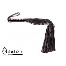 Avalon - WARRIOR - Sort flogger med håndtak med nagler