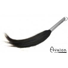 Avalon - NIMUEH - Flogger med metallhåndtak og hestehår